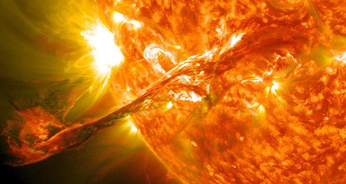 Fulguración solar (archivo)