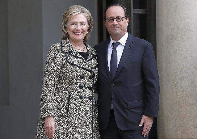 Hillary Clinton y Francois Hollande