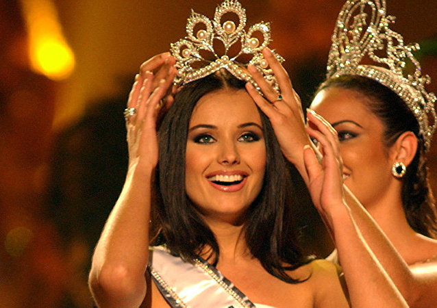 La rusa Oxana Fedorova, ganadora de Miss Universo 2002