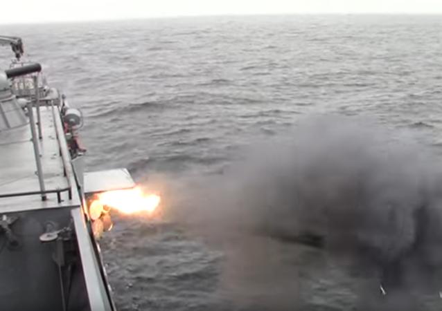 Una corbeta de la flota del Báltico ruso 'hunde' a un submarino enemigo
