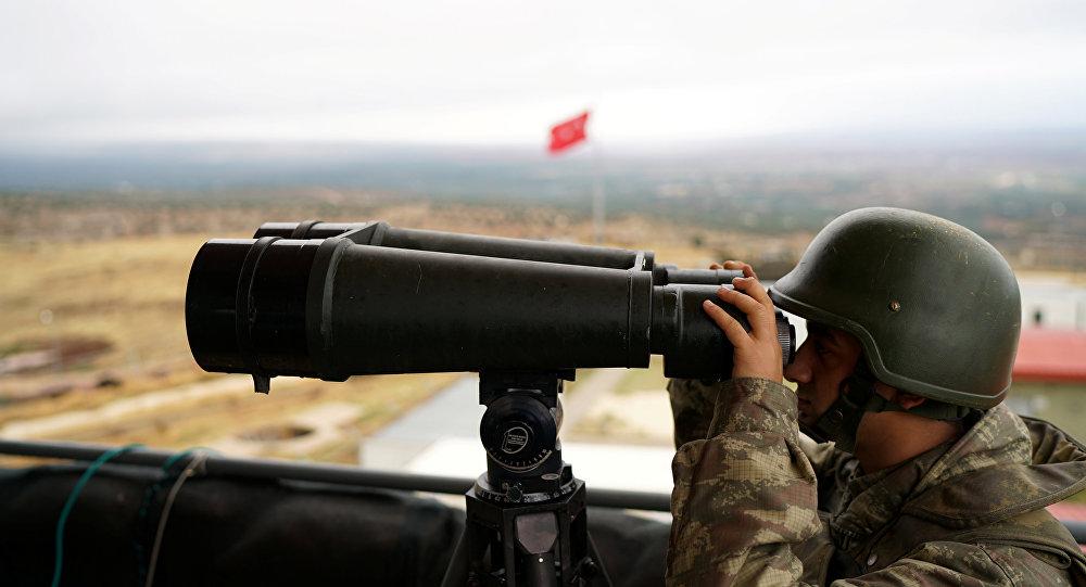 Un soldado turco en la frontera con Siria