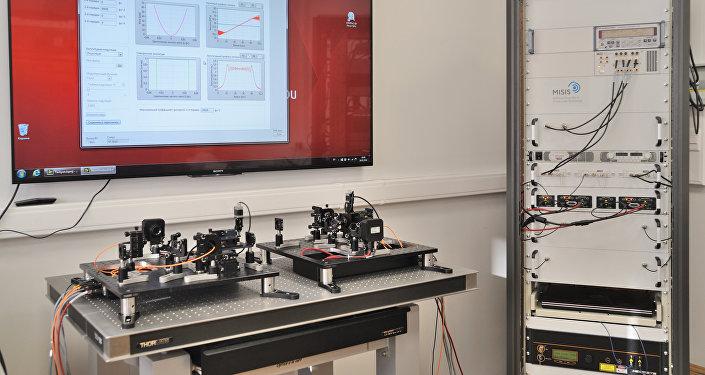 Sistema de control óptico-acústico de impulsos láser (MISIS)