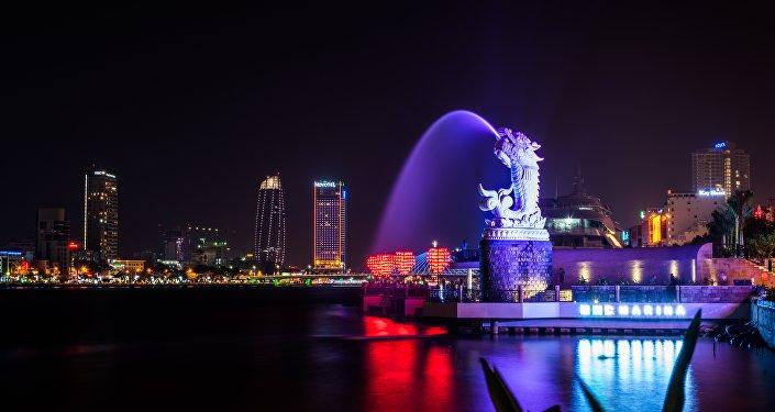 Una escultura de un dragón chino, símbolo del país asiático