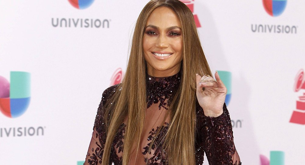 Recording artist Jennifer Lopez arrives at the 17th Annual Latin Grammy Awards in Las Vegas, Nevada, U.S., November 17, 2016