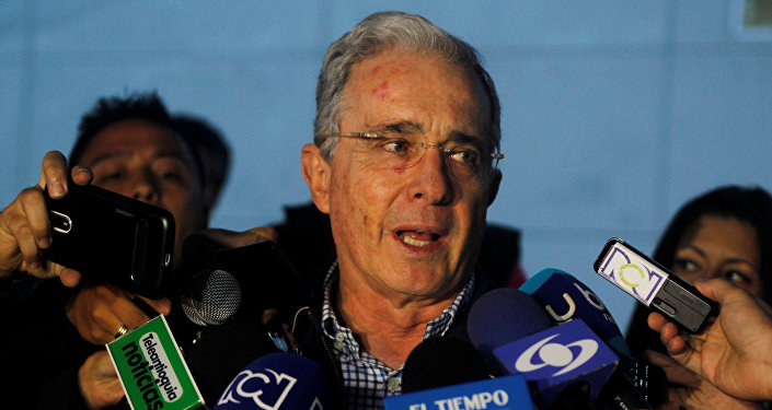 Piden abrir investigación formal en contra del expresidente Álvaro Uribe Vélez