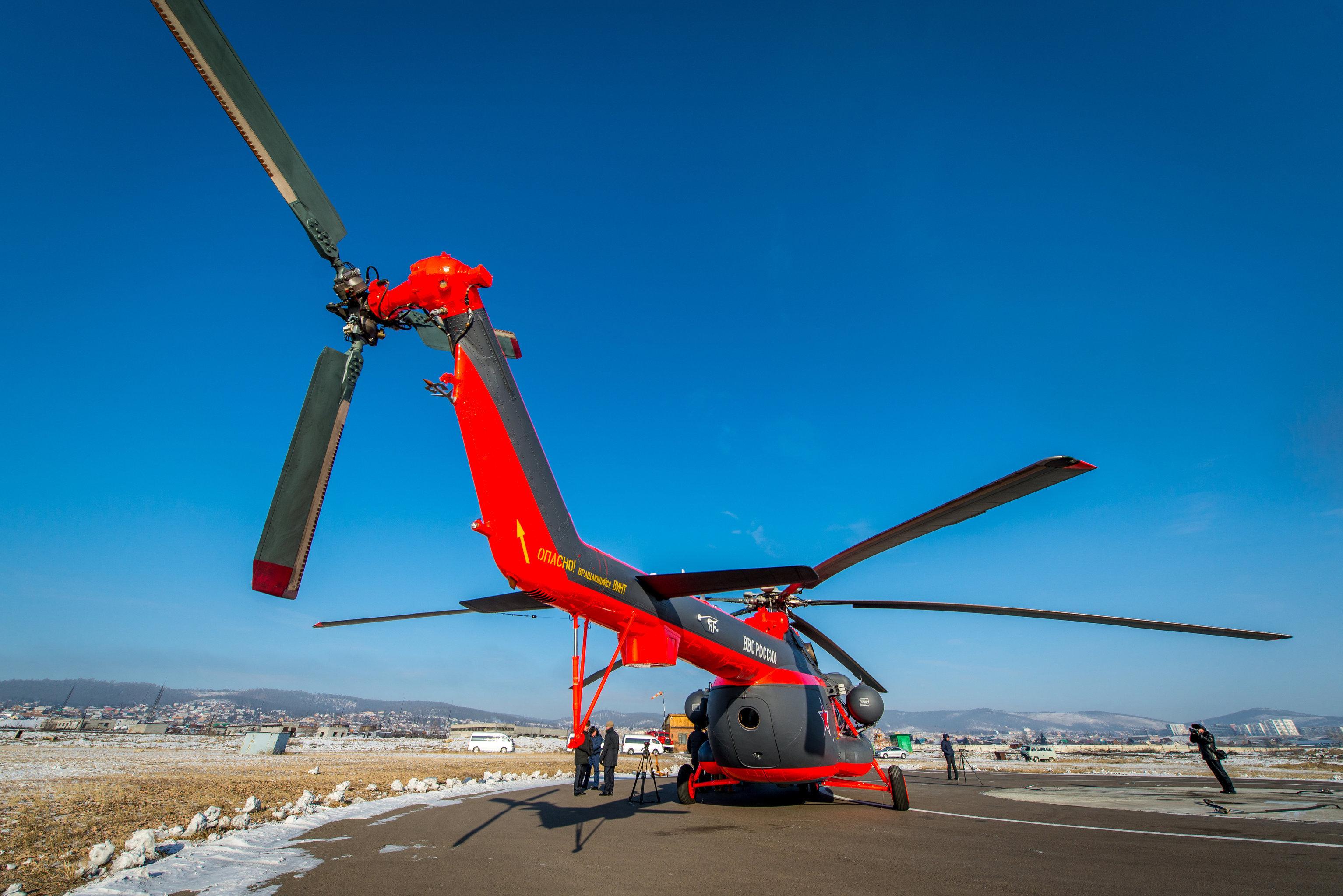 El helicóptero cuenta con un potente motor de fabricación rusa VK-2500. Incluso si uno de los motores falla, este sistema permite continuar el vuelo horizontal e incluso ganar altura, de ser necesario.