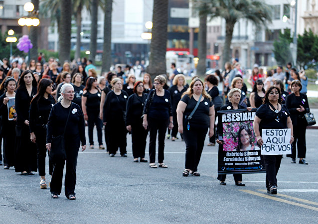 Marcha en contra de la violencia de género en Montevideo (Uruguay)