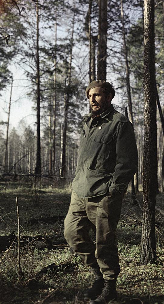 Fidel Castro, líder de la Revolución cubana, en los bosques de Siberia.