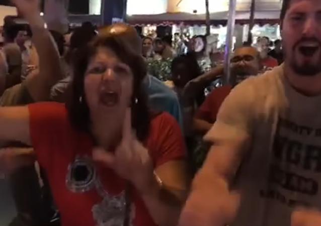 Cubanos residentes en Miami, Florida, han salido a las calles