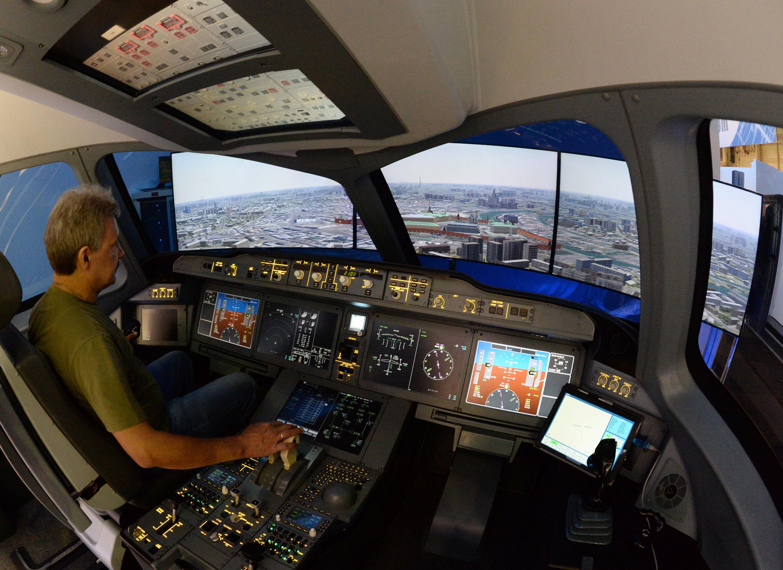 El sistema de adiestramiento para los futuros pilotos del avión MC-21