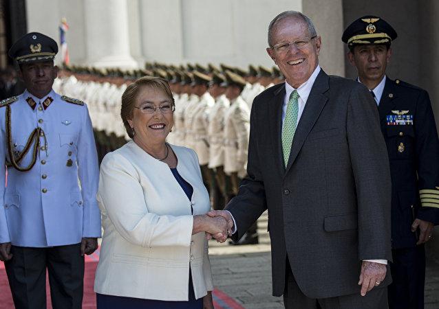 Michelle Bachelet, presidenta de Chile, y Pedro Pablo Kuczynski, presidente de Perú