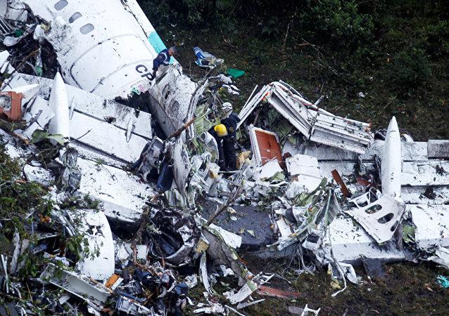 Restos del avión dónde viajaba el equipo de fútbol Chapecoense (archivo)