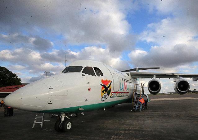 El avión del equipo Chapecoense antes de despegar