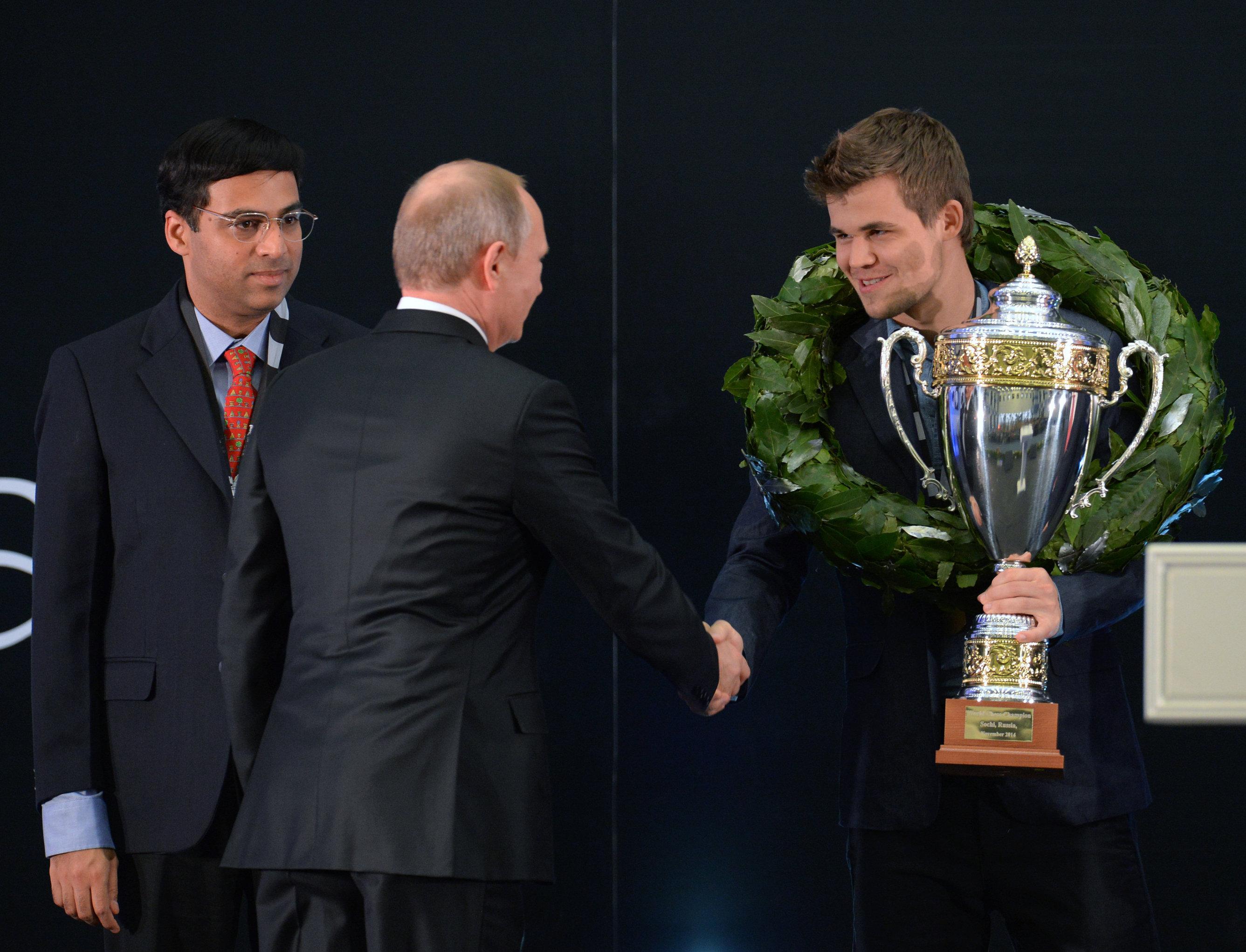En 2014, Magnus Carlsen obtiene el título de Campeón Mundial tras una serie de partidos contra el indio Viswanathan Anand celebrados en Sochi