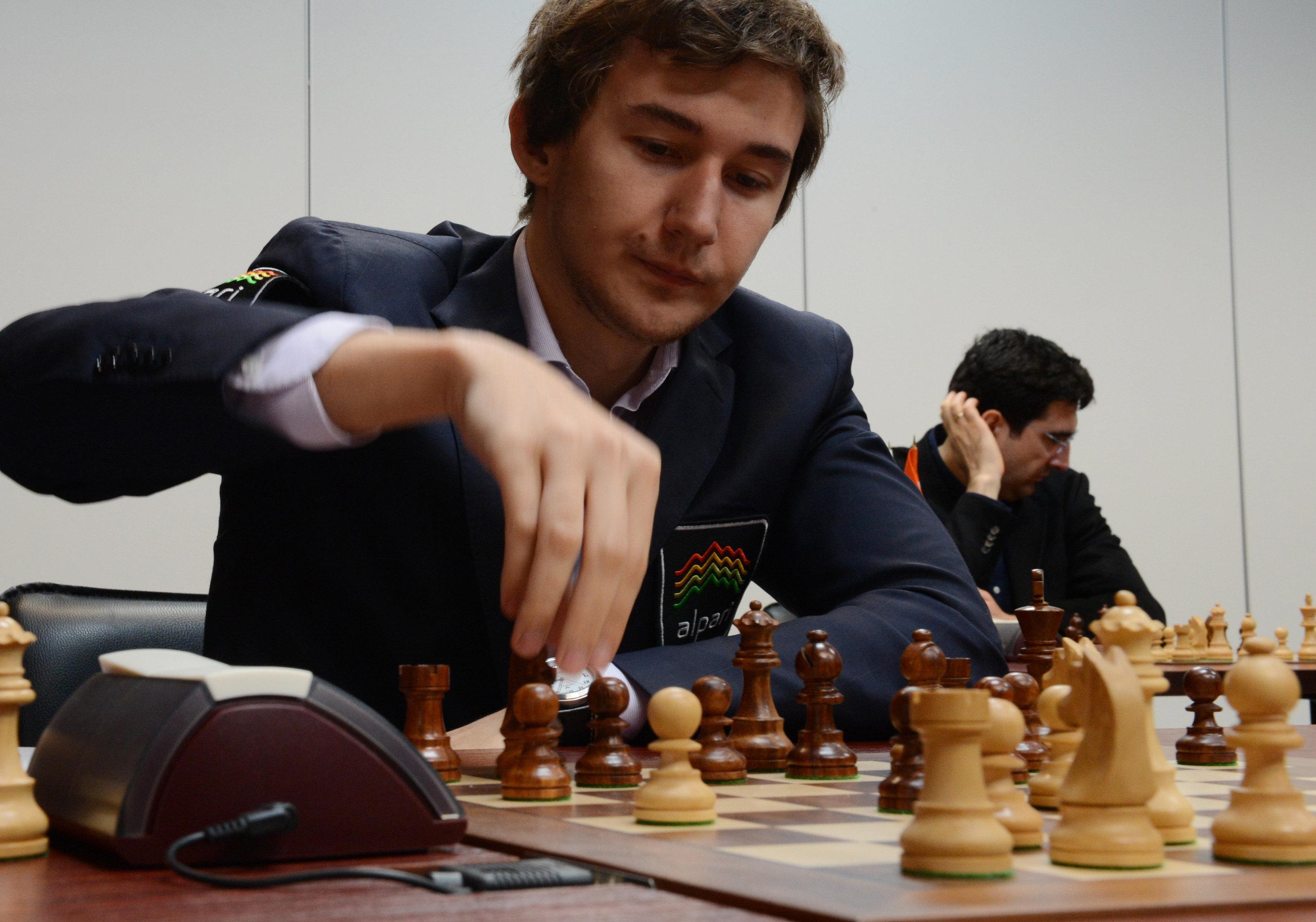 Serguéi Kariakin durante el torneo Memorial Tal 2013 celebrado en Moscú