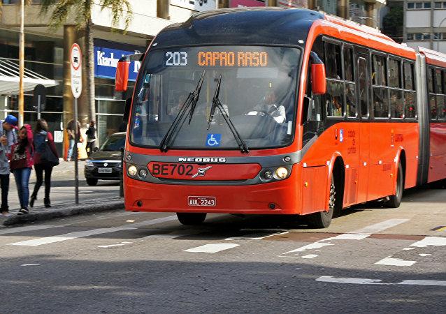 Sistema de autobús de tránsito rápido (BRT)