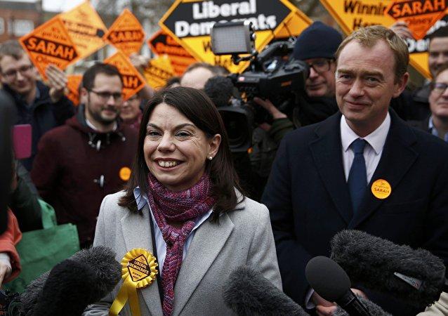 Sarah Olney, contable de 38 años sin previa experiencia en política, sumó cerca del 50% de votos en Richmond Park, Reino Unido