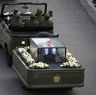 La caravana que traslada la urna con cenizas de Fidel Castro