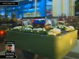 El pueblo cubano despide a Fidel con lágrimas y cánticos