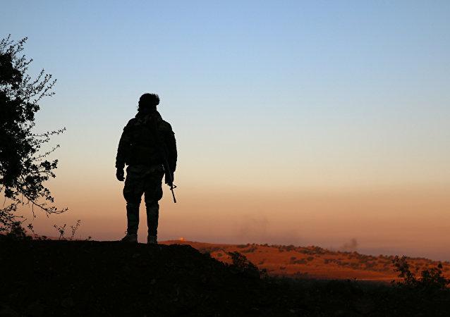 Un combatiente de la oposición siria (imagen referencial)
