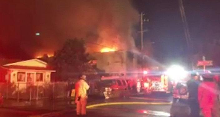 Las devastadoras imágenes tras el incendio de una discoteca en California