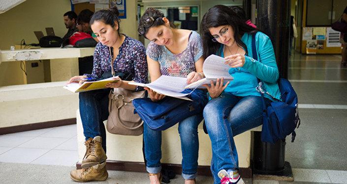 Unas estudiantes chilenas