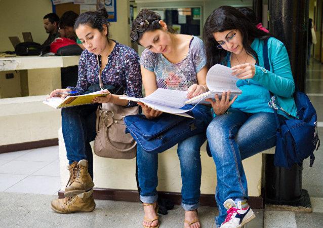 Unas estudiantes (imagen referencial)