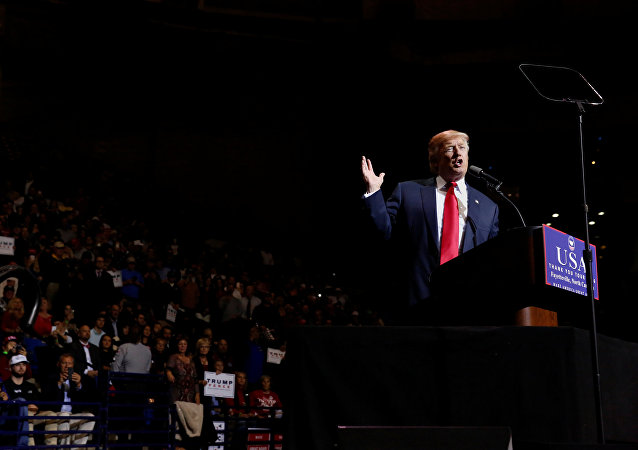 Donald Trump durante su discurso en Carolina del Norte, EEUU