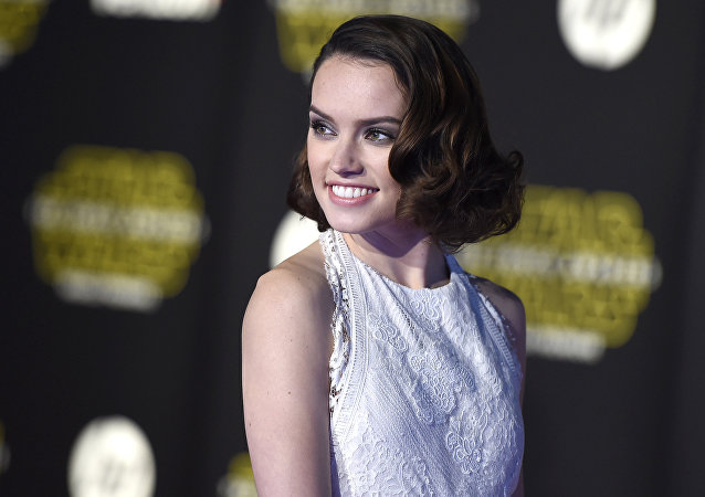 Daisy Ridley arrives at the world premiere of Star Wars: The Force Awakens at the TCL Chinese Theatre on Monday, Dec. 14, 2015, in Los Angeles