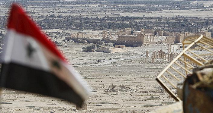 La bandera de Siria en Palmira