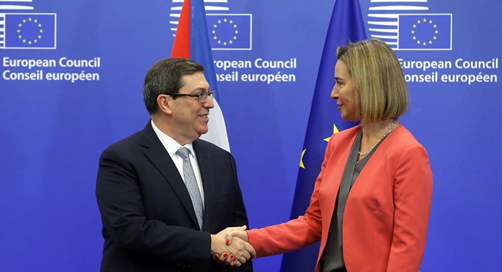Federica Mogherini, alta representante de la Unión para Asuntos Exteriores y Política de Seguridad de la Unión Europea, y el ministro de Asuntos Exteriores de Cuba, Bruno Rodríguez Parrilla