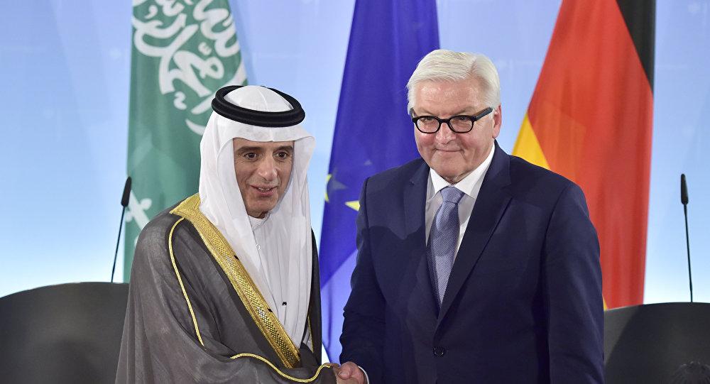 El ministro saudí de Asuntos Exteriores Adel al-Jubeir y su homólogo alemán Frank-Walter Steinmeier