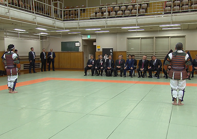 Japón: Putin y Abe disfrutan de exhibición de judo en Tokio