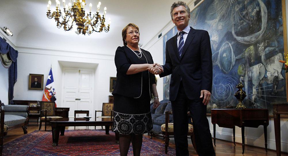 Presidenta de Chile, Michelle Bachelet, y su homólogo argentino, Mauricio Macri (archivo)