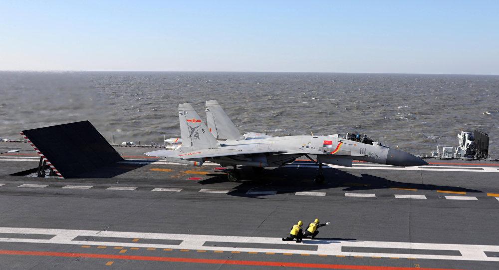 Vídeo: el primer lanzamiento de un misil modernizado desde el caza chino J-15