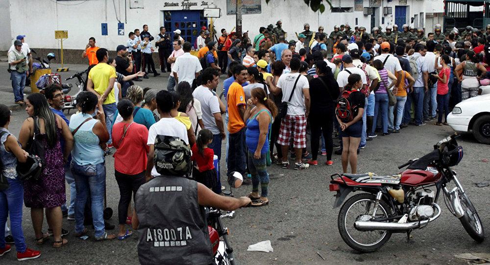 El problema económico no está en Colombia sino en Venezuela: Santos
