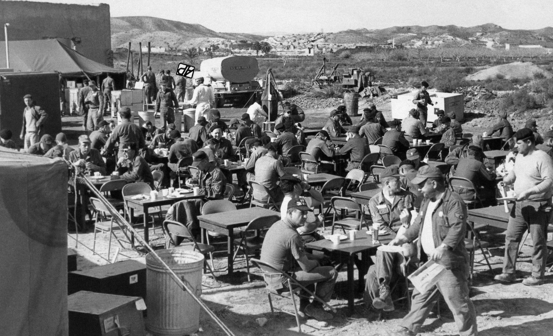 Grupo de búsqueda de componentes tóxicos en el campamento de Palomares
