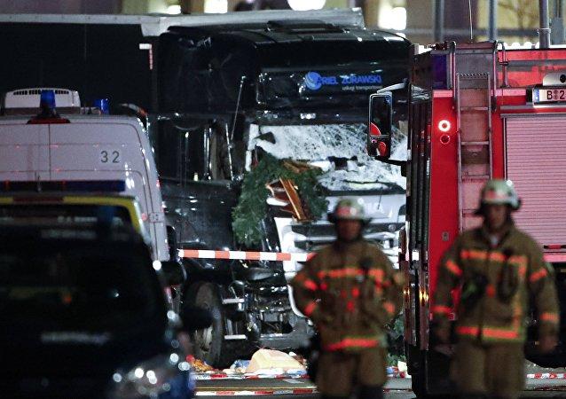 Ministro alemán califica de terrorista el atropello masivo del camión en la feria navideña