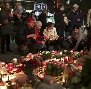 Velas encendidas en el lugar del atentado en Berlín