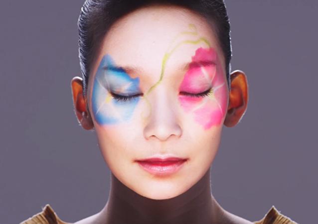Kacho Fugetsu: la majestuosa belleza del 'maquillaje virtual' japonés