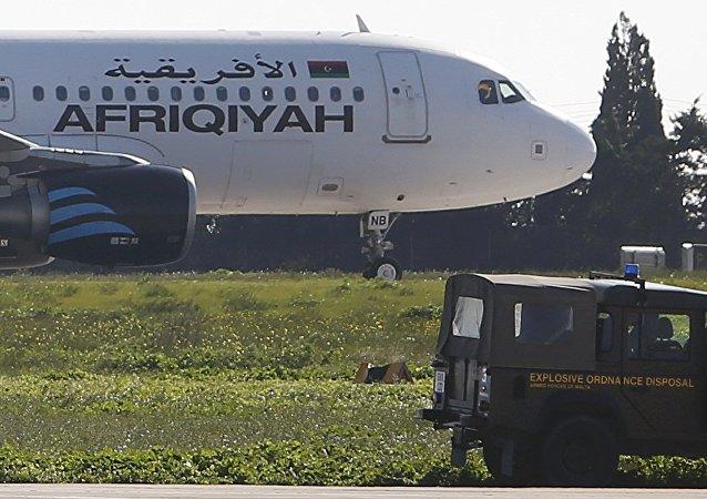 El avión secuestrado Airbus A320 de la compañía aérea libia Afriqiyah Airways en Malta