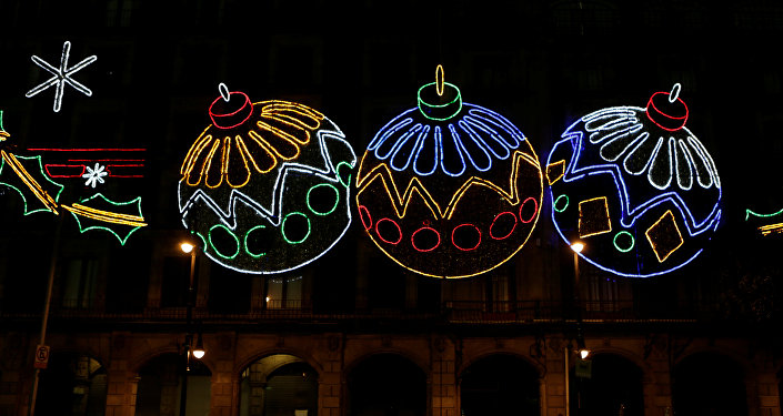 Decoraciones con luces como parte de las celebraciones de Navidad en la Ciudad de México