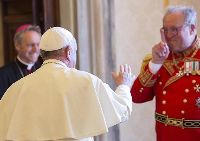 El Papa Francisco y Matthew Festing, 79º Príncipe y Gran maestre de la Orden de Malta