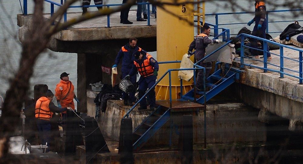 La operación de rescate en el lugar del siniestro del avión Tu-154 en Sochi