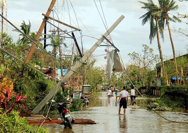Las consecuencias del tifón Nock-Ten en Filipinas