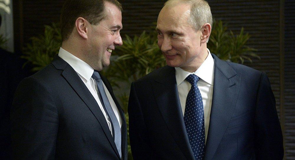 Dmitri Medvédev y Vladímir Putin