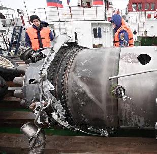 Fragmentos del Tu-154 siniestrado en Sochi