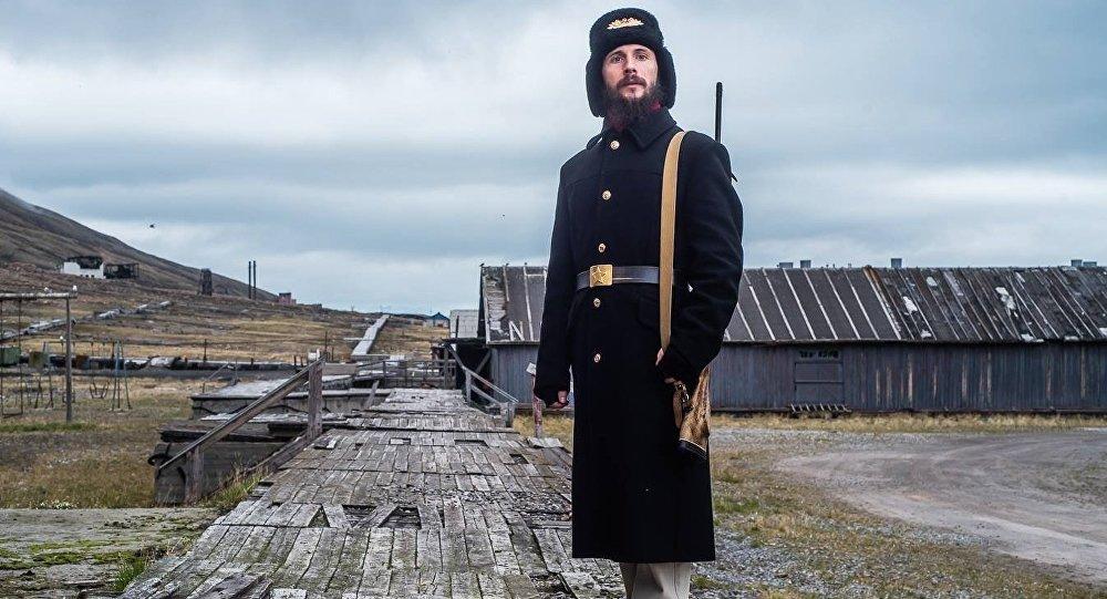 Aleksandr Romanovskiy, el guía ruso en la ciudad árctica abandonada de Pyramiden