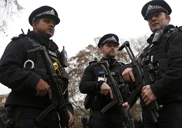 Policías armados en Londres (Archivo)
