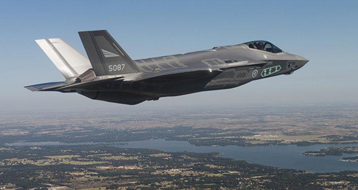 Caza de quinta generación estadounidense F-35